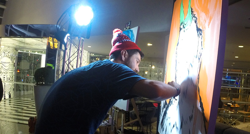 Kusso pintando Art Battle