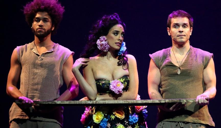 Juliana Linhares como Gloria - Gabriela, um Musical