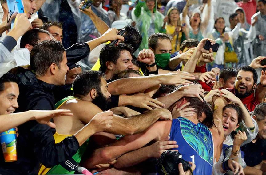 Alisson comemorando no Rio 2016