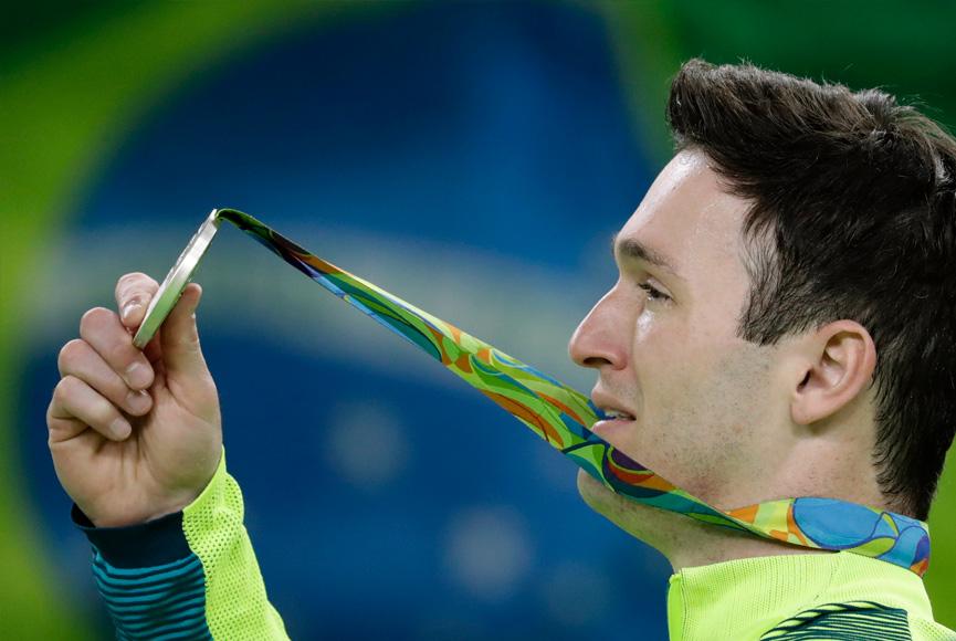 Diego Hypolito finalmente com a medalha olímpica - Rio 2016