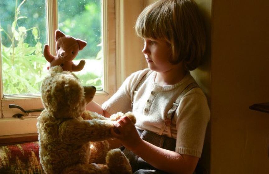 Ursinho Pooh e Christopher. Ou seria Ursinho Pooh e menino Cristóvão?