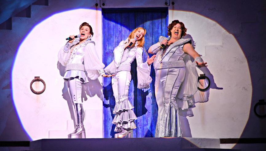 Kiara Sasso em Mamma Mia! no Teatro Abril