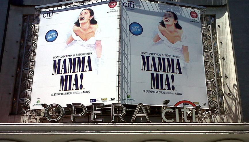 Mamma Mia em cartaz no Teatro Opera em Buenos Aires