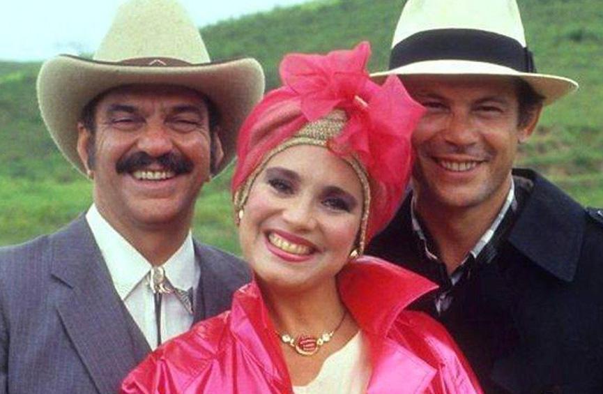 Lima Duarte, Regina Duarte e Jose Wiker como CHico Malta, Viu'va Porcina e Roque Santeiro.