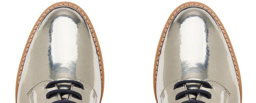 Sapato oxford metalizado da Corello