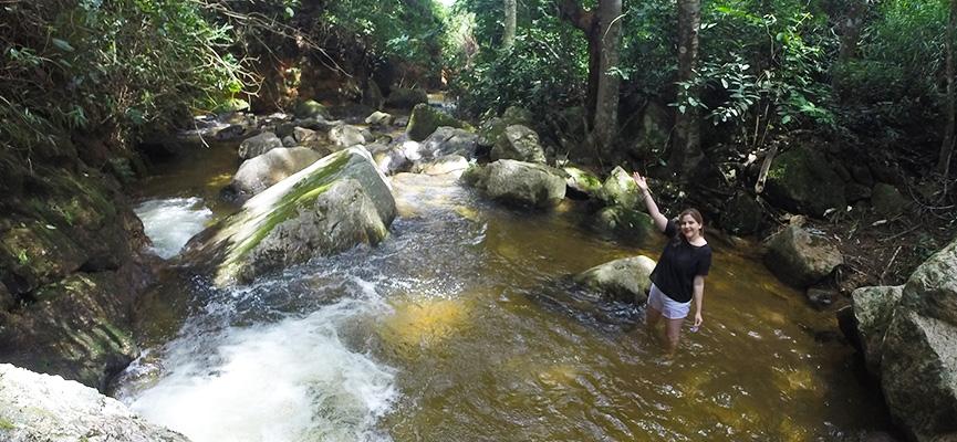 Cachoeira dentro da Pousada Riacho Doce