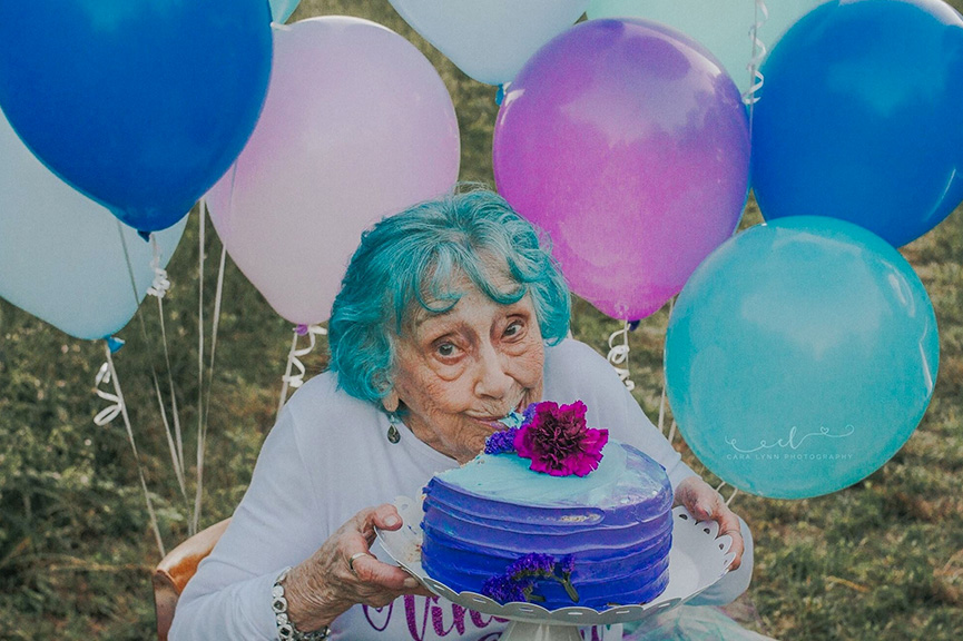 Vovó faz sessão de fotos Smash the Cake